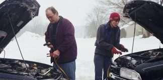 прикуривание автомобиля зимой